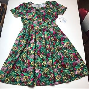 NWT sunflower LuLaRoe XL Amelia Dress